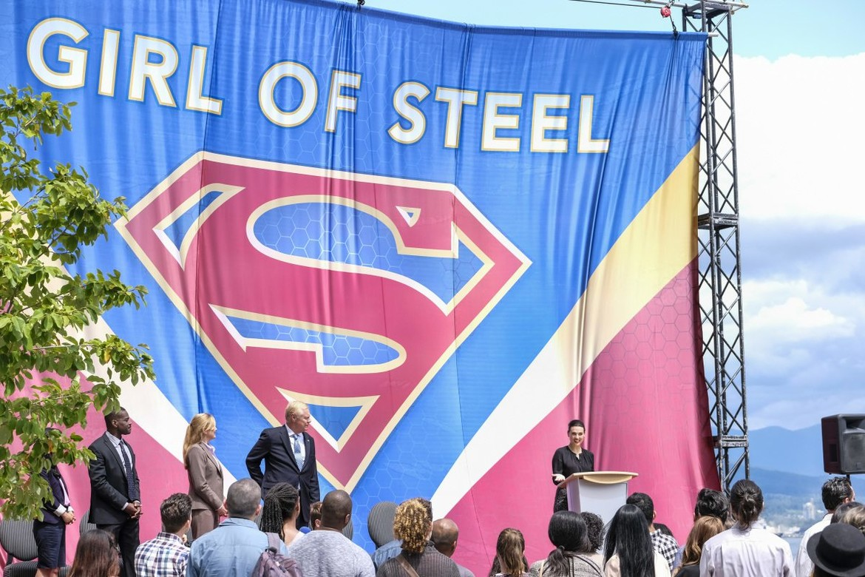 supergirl-301-8.jpg