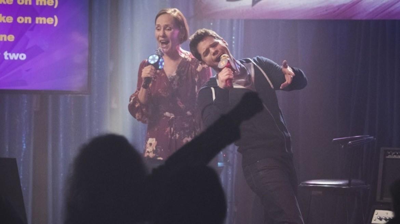 Supergirl episode 314 - Winn and Mary (Laurie Metcalf) singing karaoke