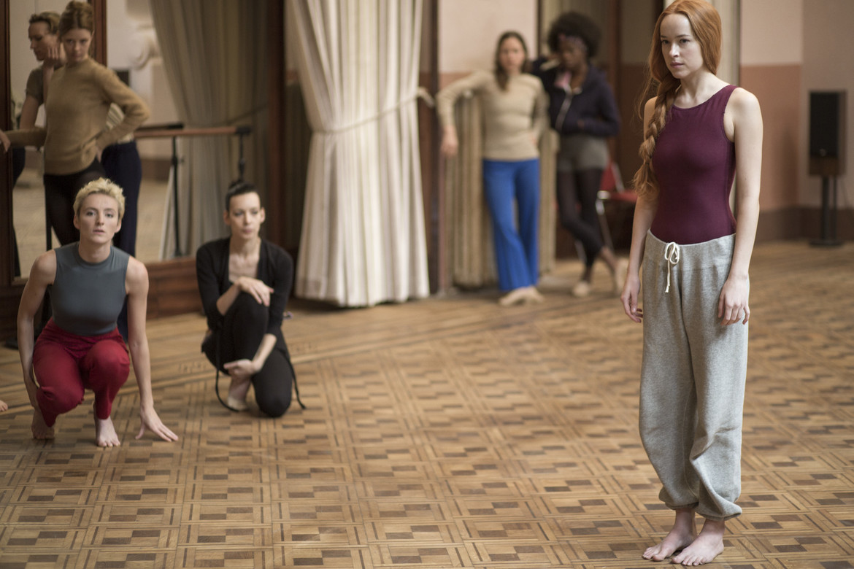 Suspiria remake - Dakota Johnson in the dance studio