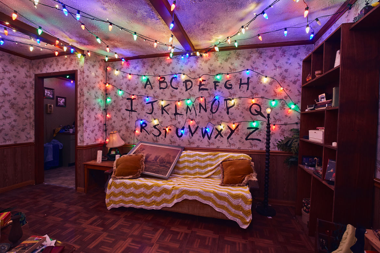 1_First Look Inside Stranger Things maze at HHN 2018