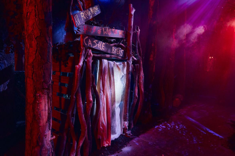 4_First Look Inside Stranger Things maze at HHN 2018