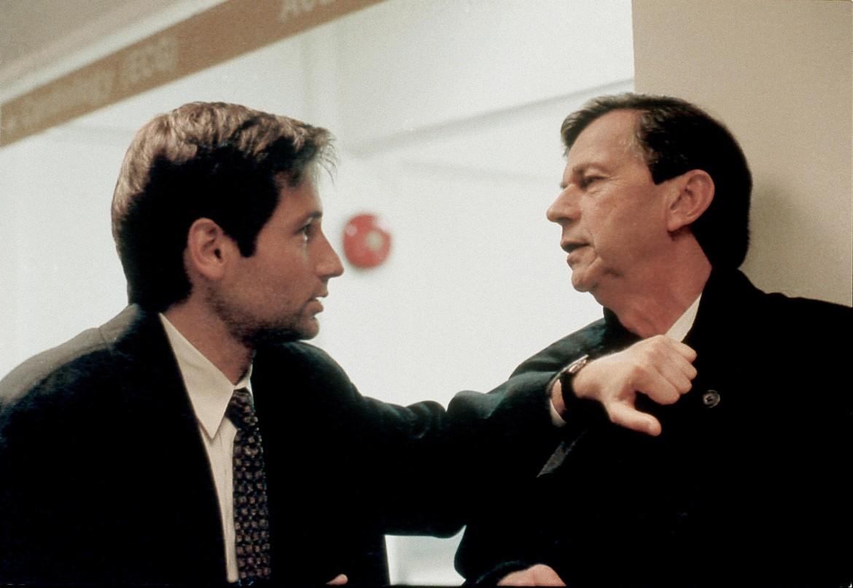 The X-Files episode Talith Cumi - Mulder attacks CSM