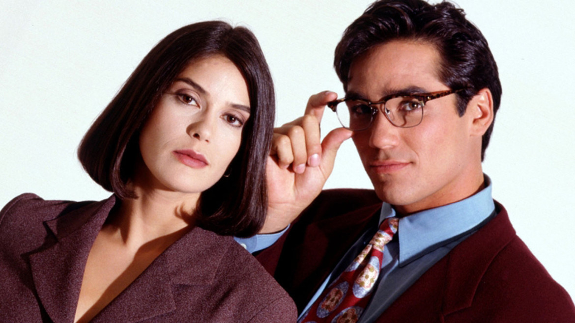 teri-hatcher-supergirl-lois-and-clark.jpg