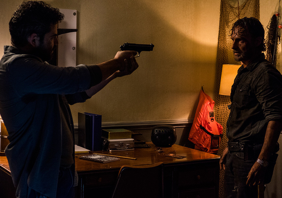 the-walking-dead-episode-803-rick-lincoln-935.jpg