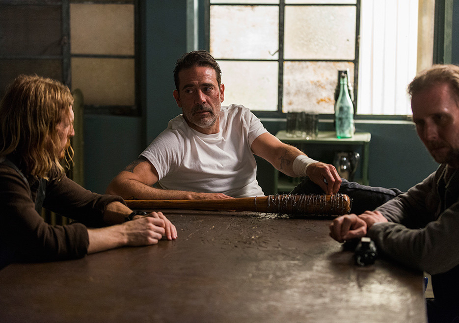the-walking-dead-episode-805-negan-morgan-5-935.jpg