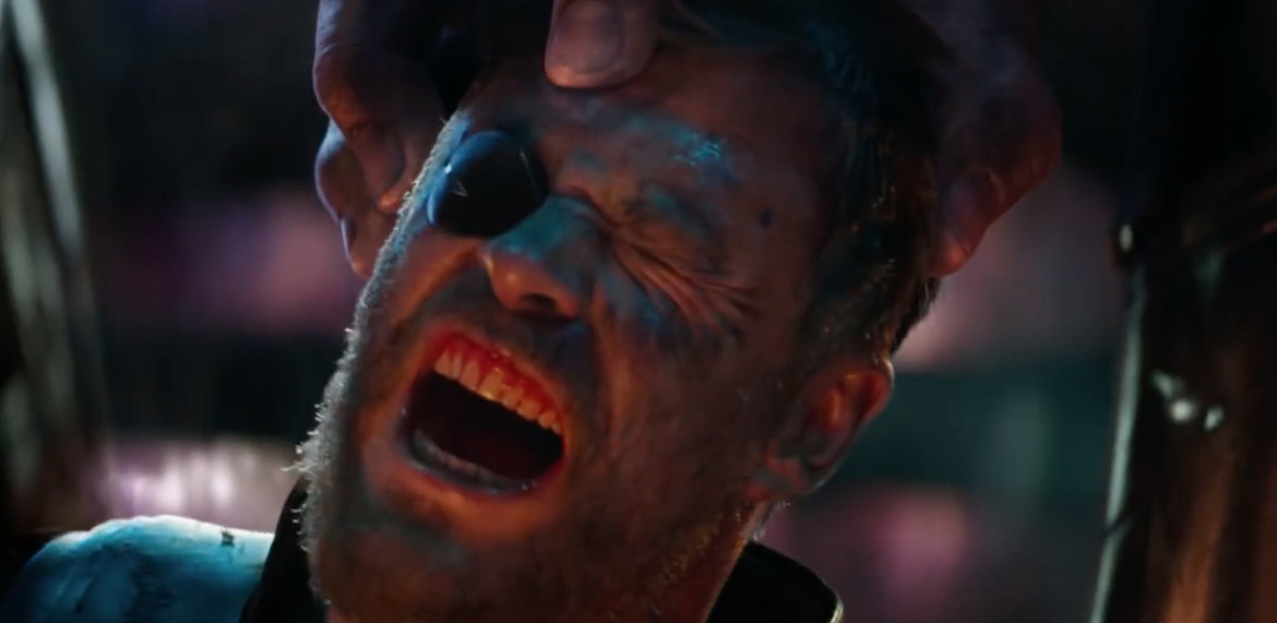 Avengers: Infinity War- Thor gets his head crushed