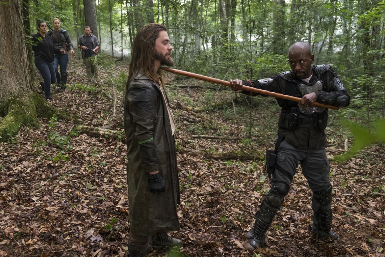The Walking Dead episode 803 - Morgan attacks Jesus