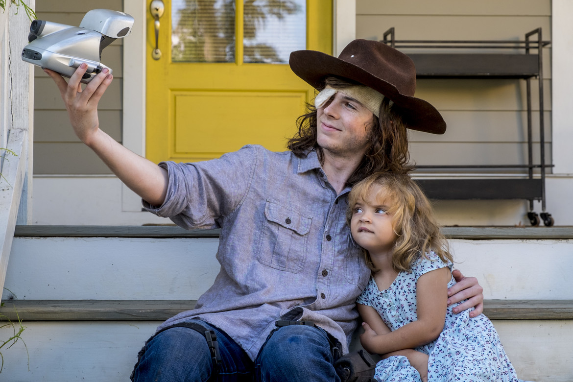 The Walking Dead episode 809 - Honor - Carl and Judith