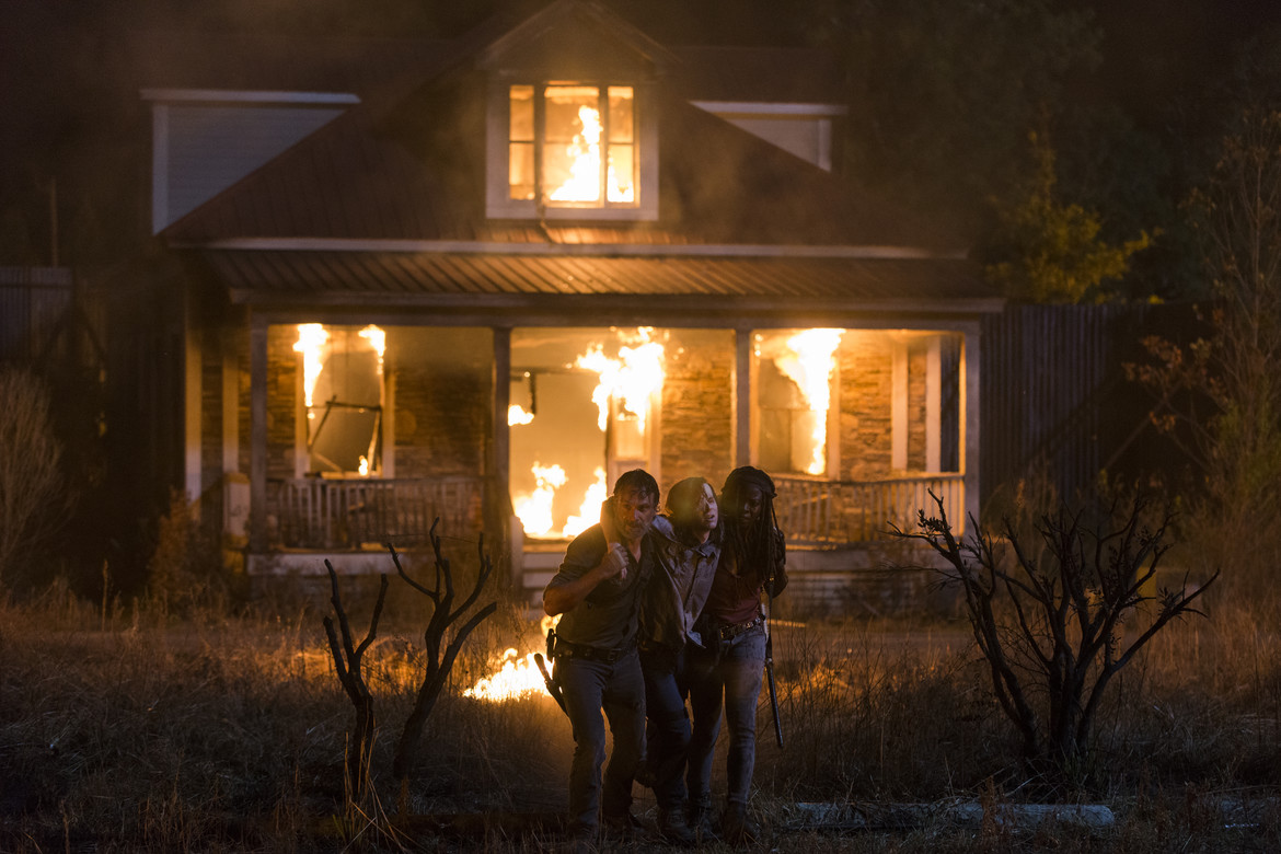 The Walking Dead episode 809 - Rick, Carl, and Michonne