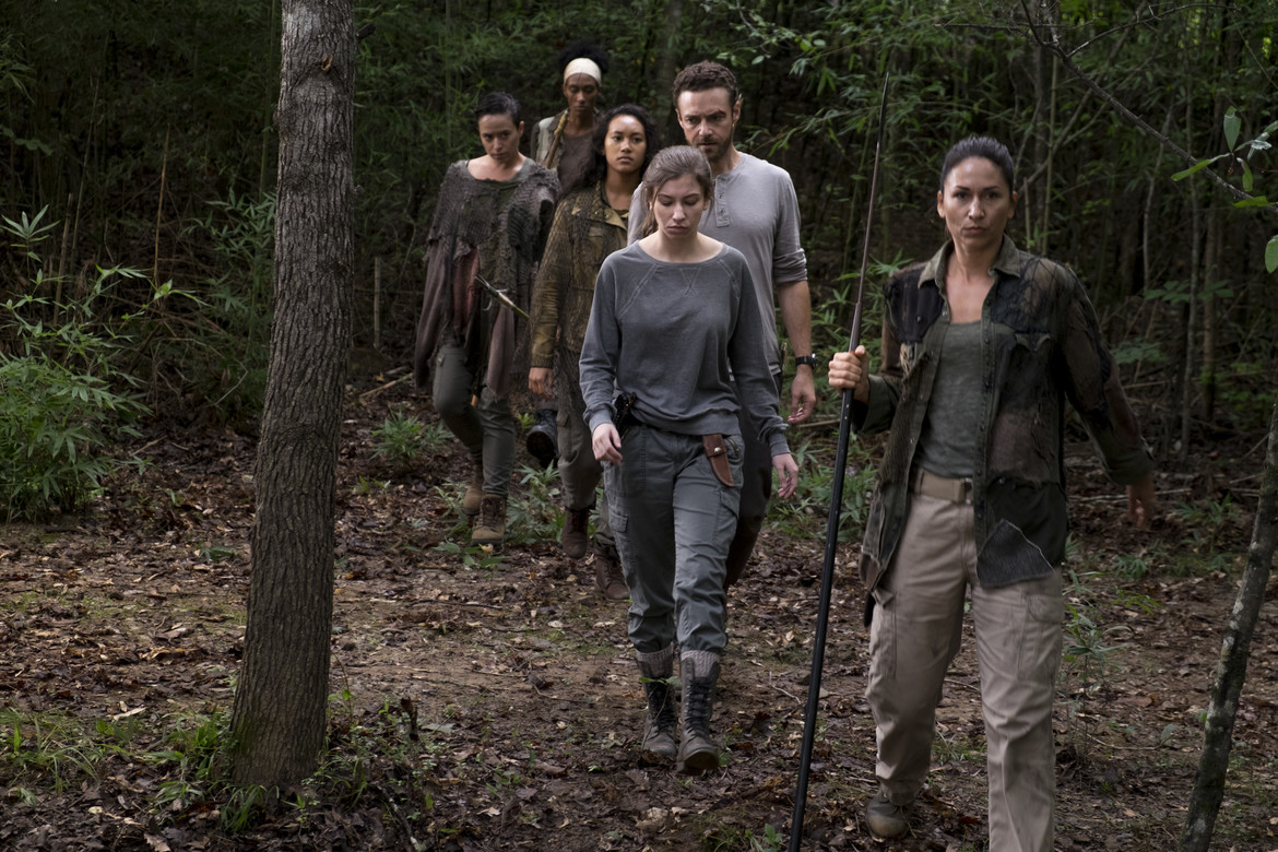 The Walking Dead episode 810 - Enid and Aaron led by the Oceanside clan
