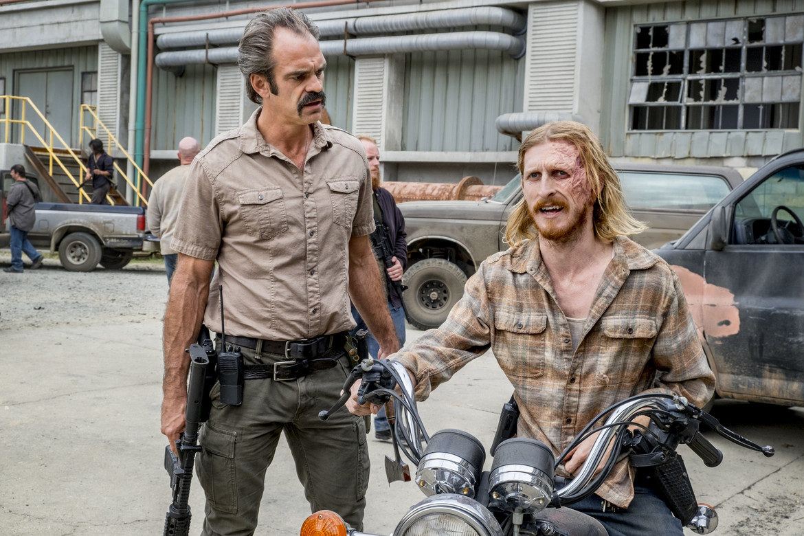 The Walking Dead episode 812 - Simon and Dwight on a motorcycle