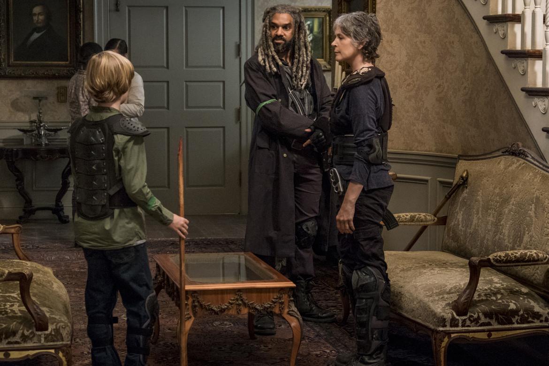 The Walking Dead episode 813 - Ezekiel, Carol and Henry