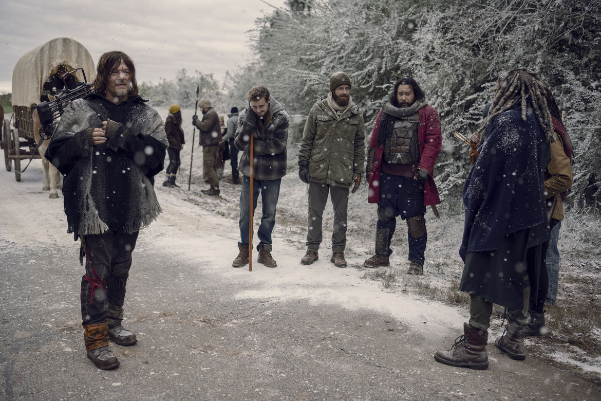 TWD_916_GP_1107_0475_RTThe Walking Dead episode 916 - Daryl leads the Kingdom through the snow