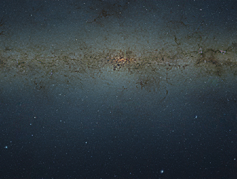 The galactic center, a crowded metropolis of stars and dust. Credit: ESO/VVV Survey/D. Minniti & Acknowledgement: Ignacio Toledo