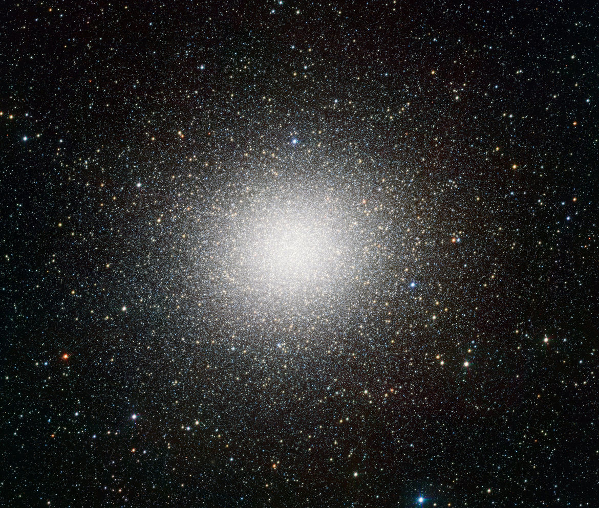 The mighty Omega Centauri, the largest globular cluster orbiting the Milky Way. Credit: ESO/INAF-VST/OmegaCAM. Acknowledgement: A. Grado, L. Limatola/INAF-Capodimonte Observatory