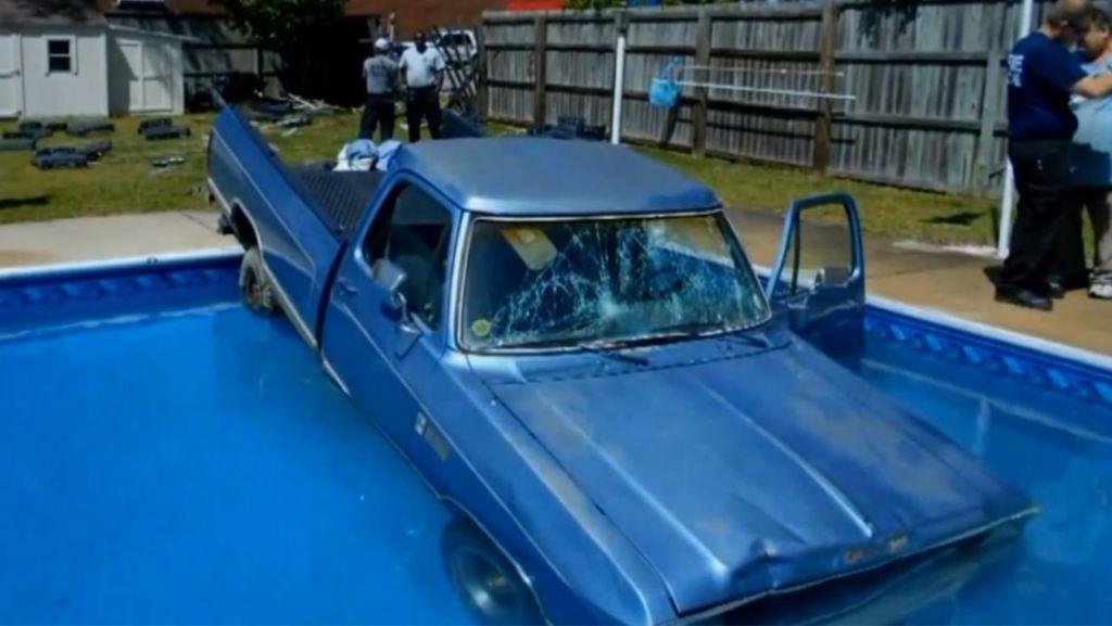 Dog_Crashes_truck_into_pool.jpeg