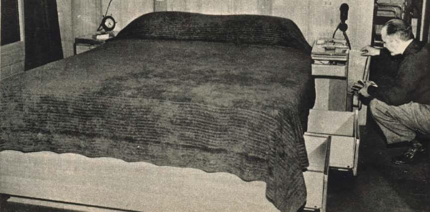 Heinlein_Bed.jpg