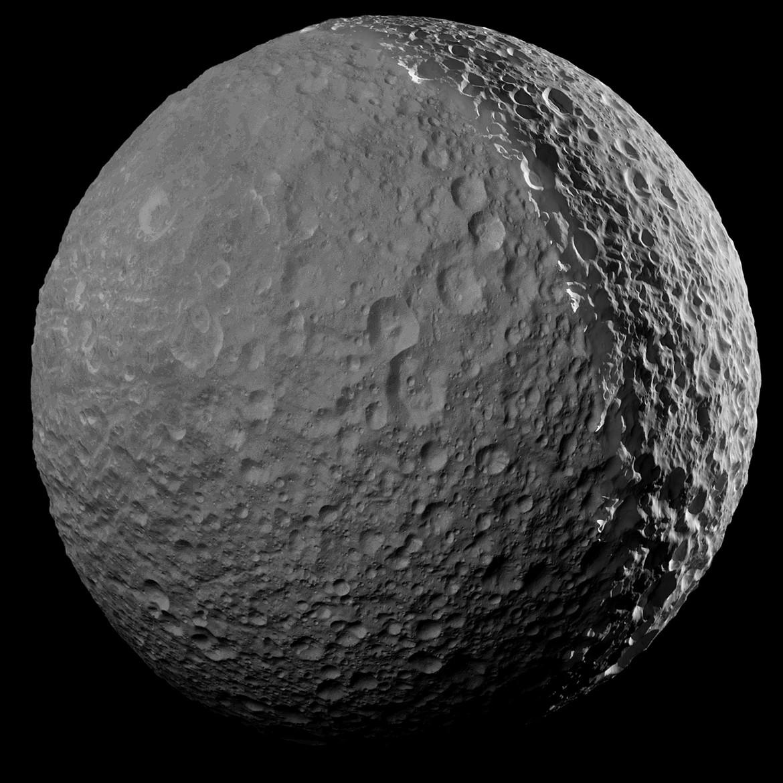 Mimas seen by Saturn light