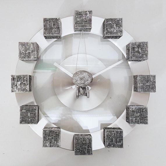 YOUgNeek Star Trek Borg clock