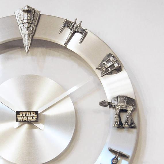 YOUgNeek Star Wars starship clock