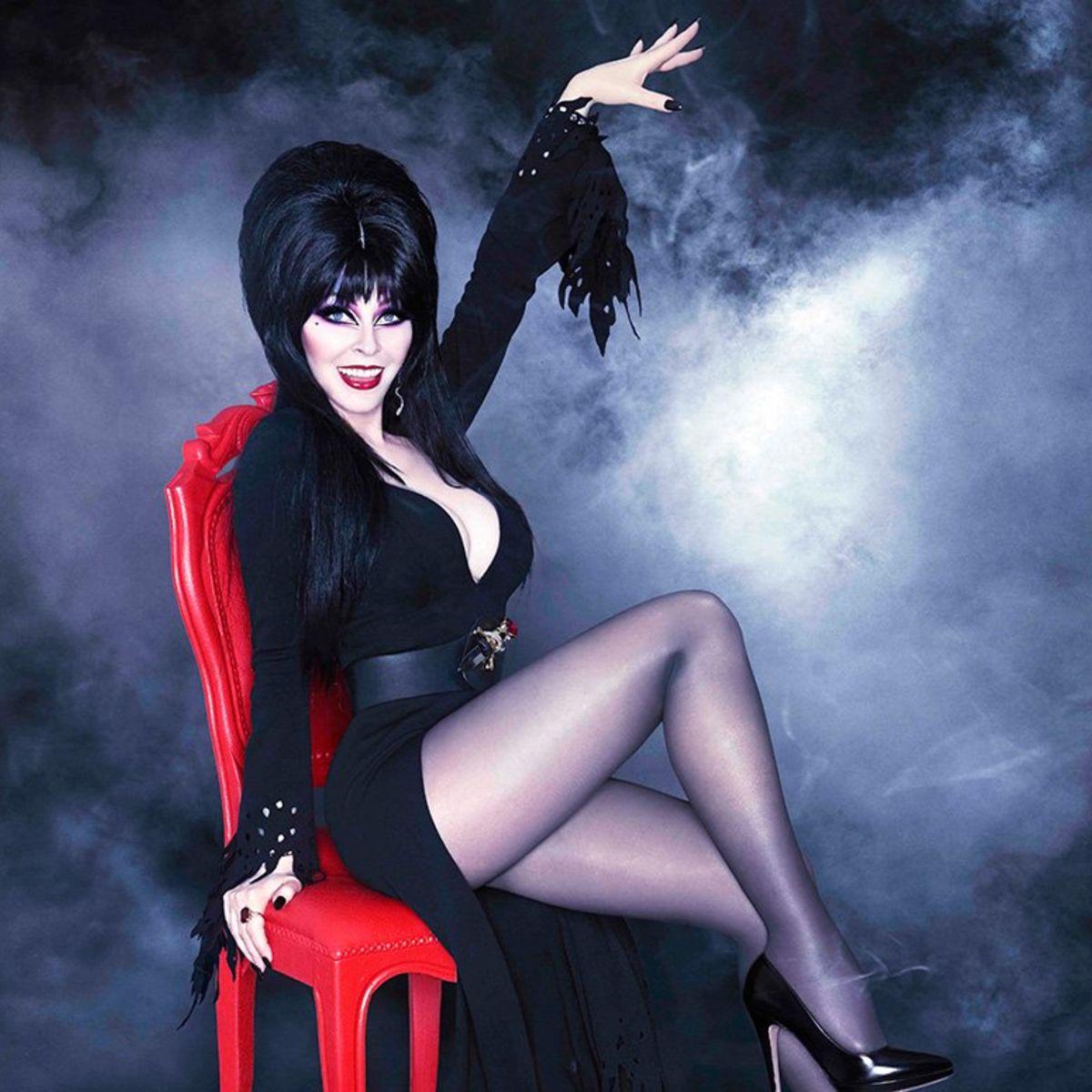 elvira-mistress-of-the-dark-halloween-2015.jpg
