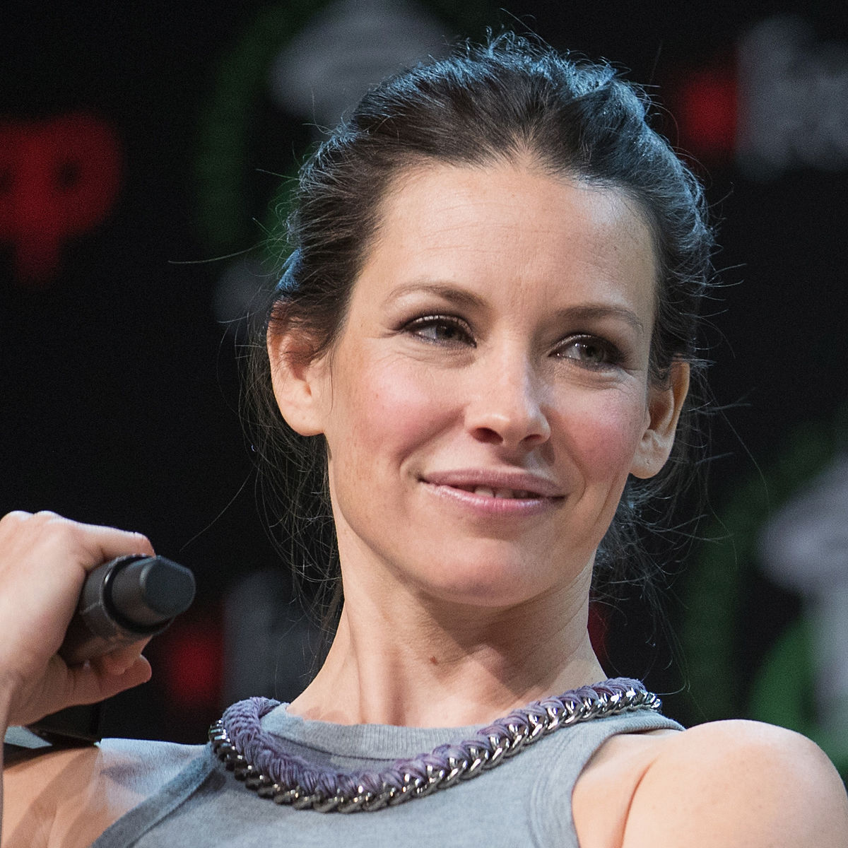 Evangeline Lilly says she felt pressured to undress on 'Lost'