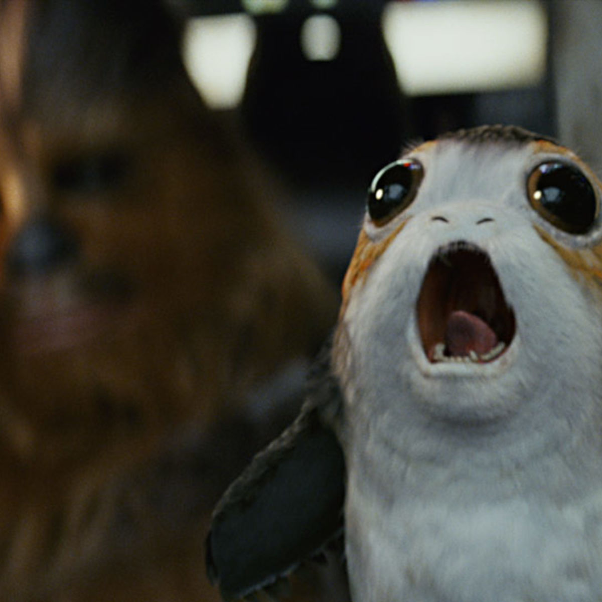 star-wars-the-last-jedi-porg-millenium-falcon-pit-chewie.jpg