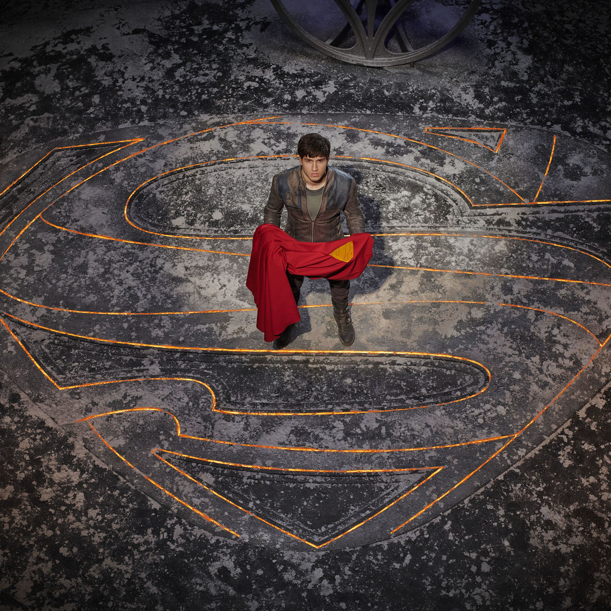 Krypton insignia, cape