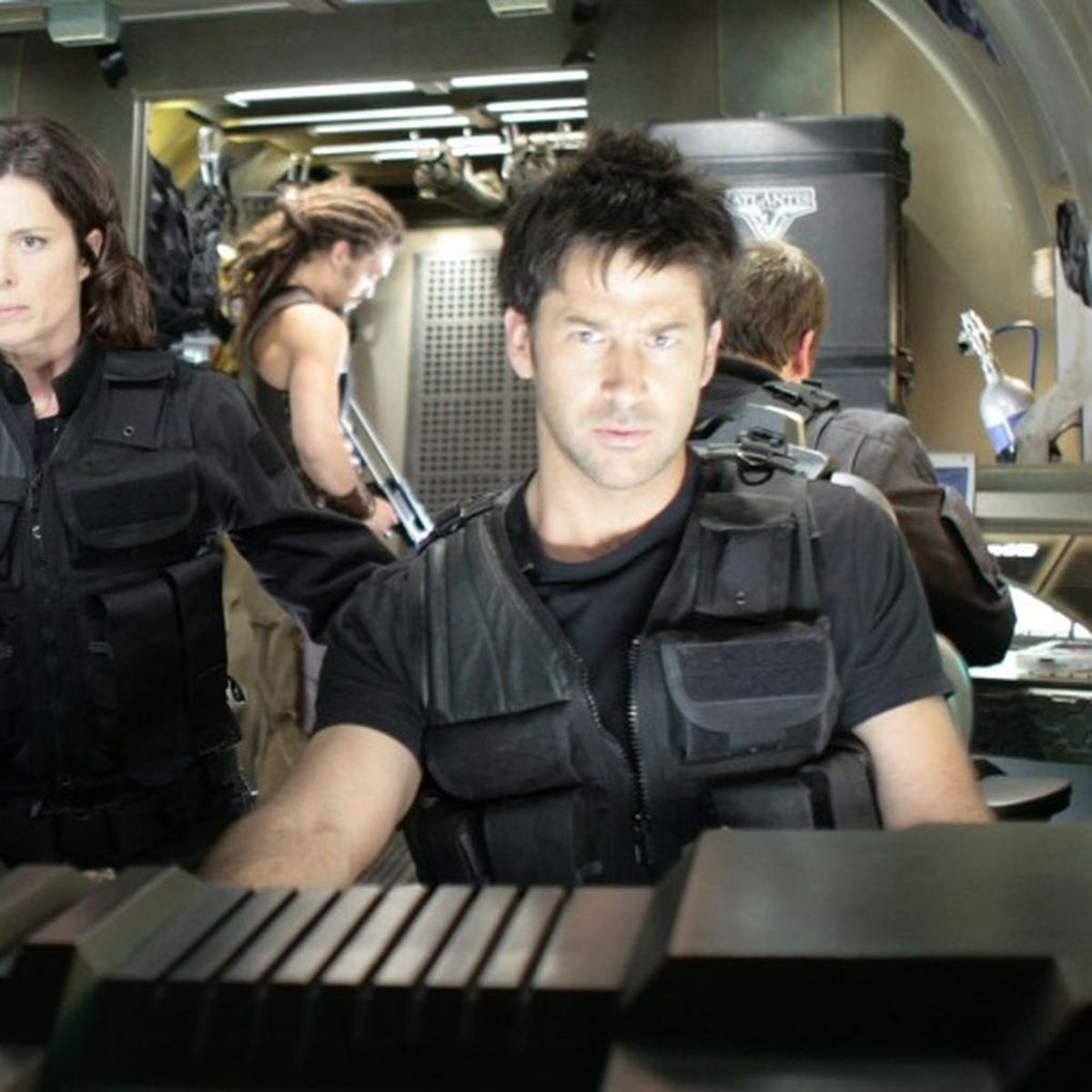 stargate_atlantis_ship.jpg