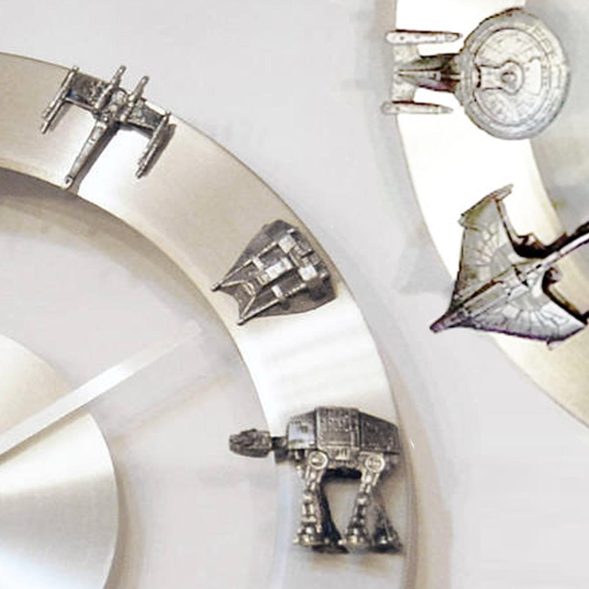 YOUgNeek Star Wars and Star Trek clocks