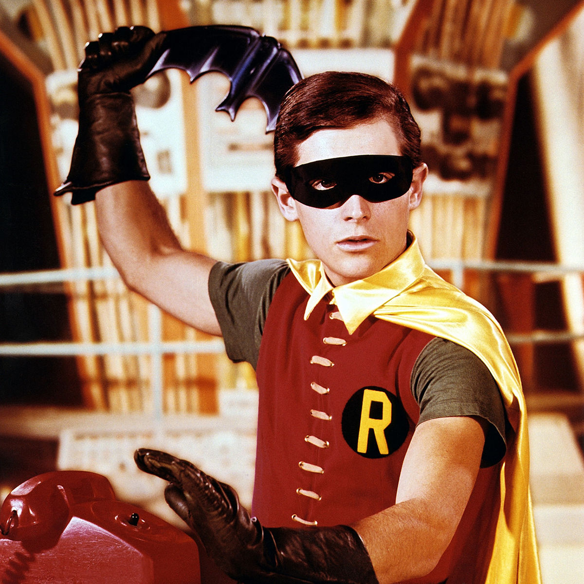 robin_with_batarang_1250.jpg