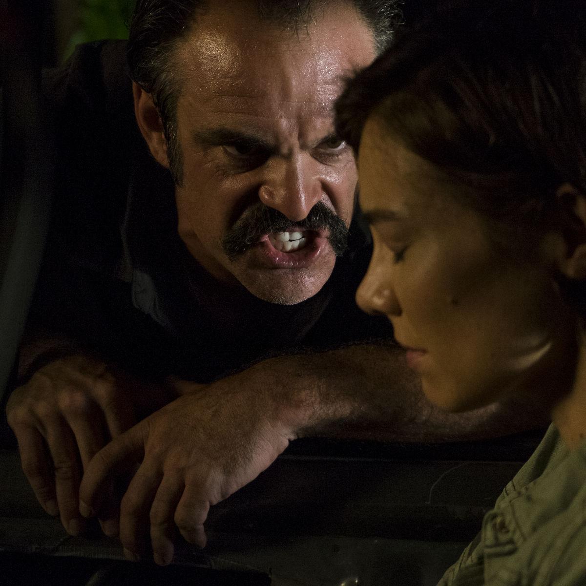 The Walking Dead episode 808 - Simon threatens Maggie