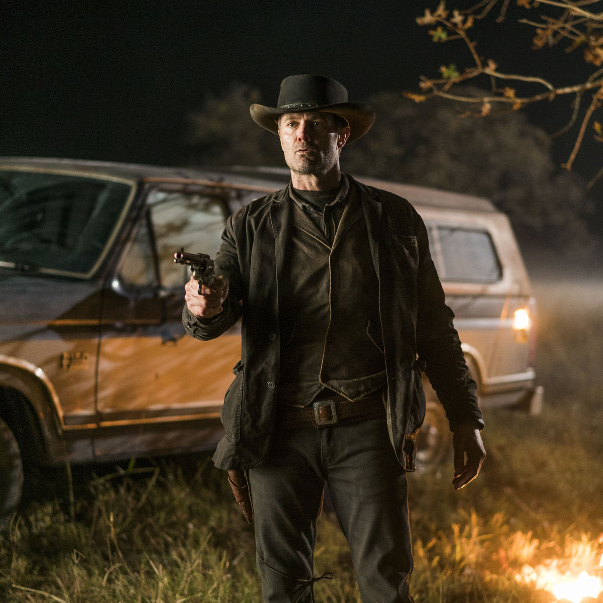 Interview Garret Dillahunt Talks Comic Books And Joining Fear The Automotive Wiring Walking Dead
