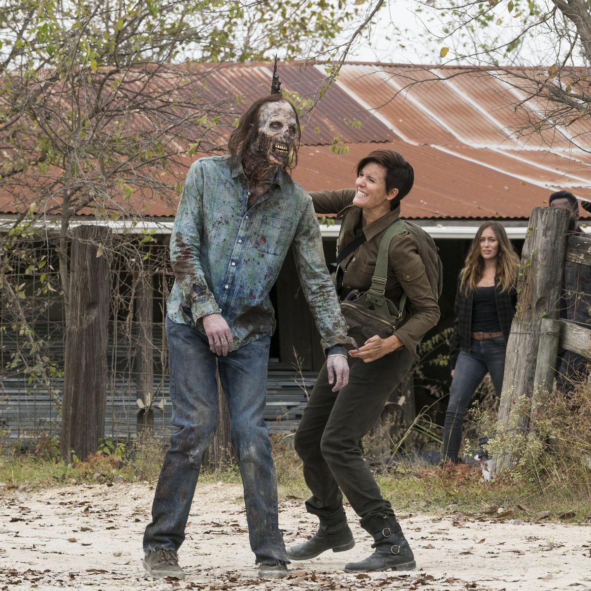 Fear the Walking Dead episode 403 - Al fighting a zombie