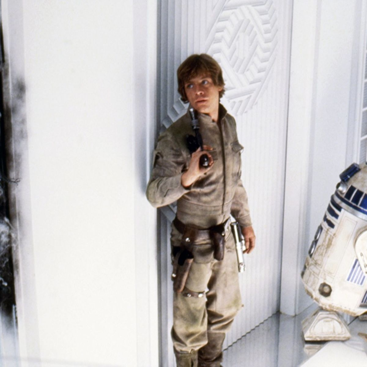 r2d2 luke skywalker star wars empire strikes back