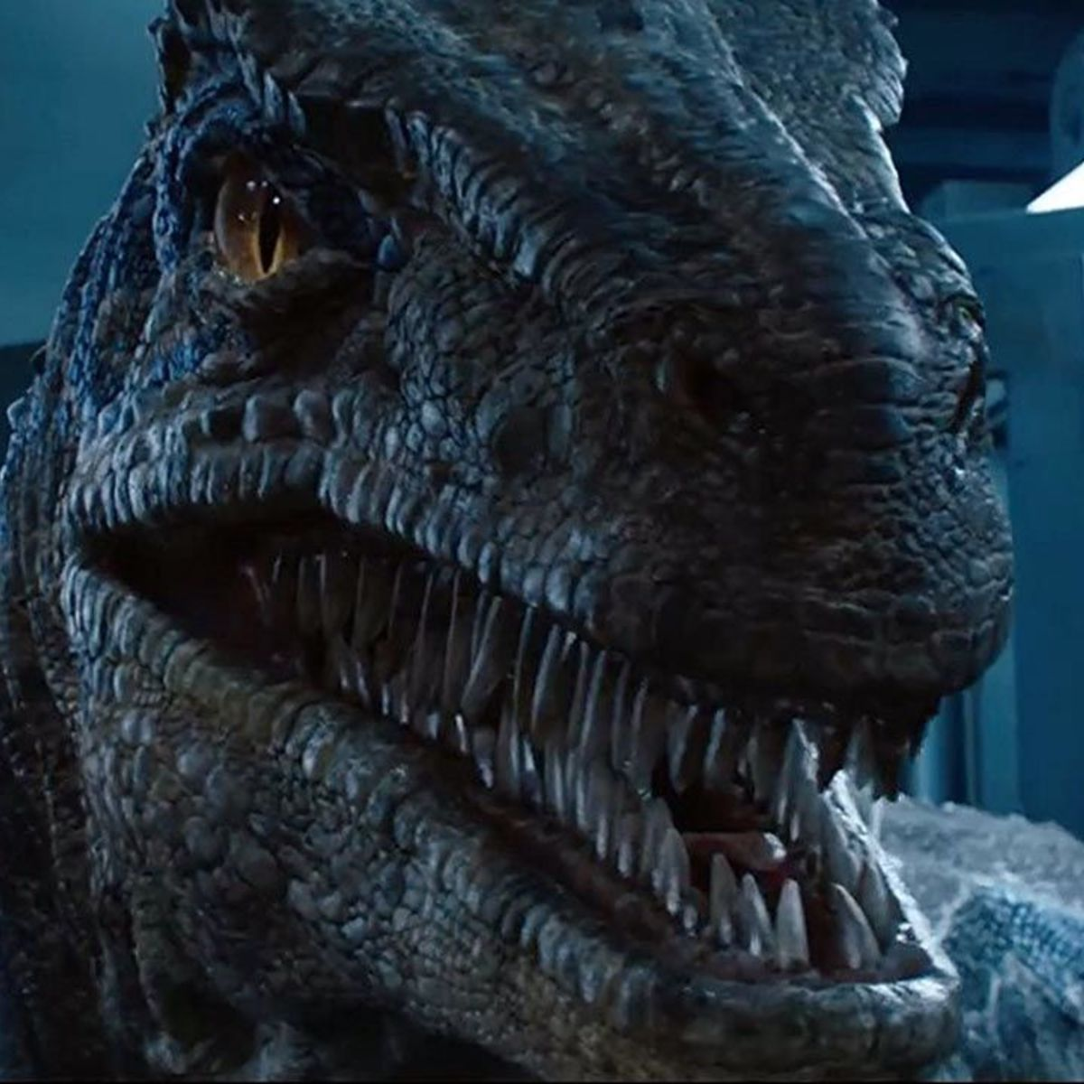 Jurassic World Fallen Kingdom Blue hero