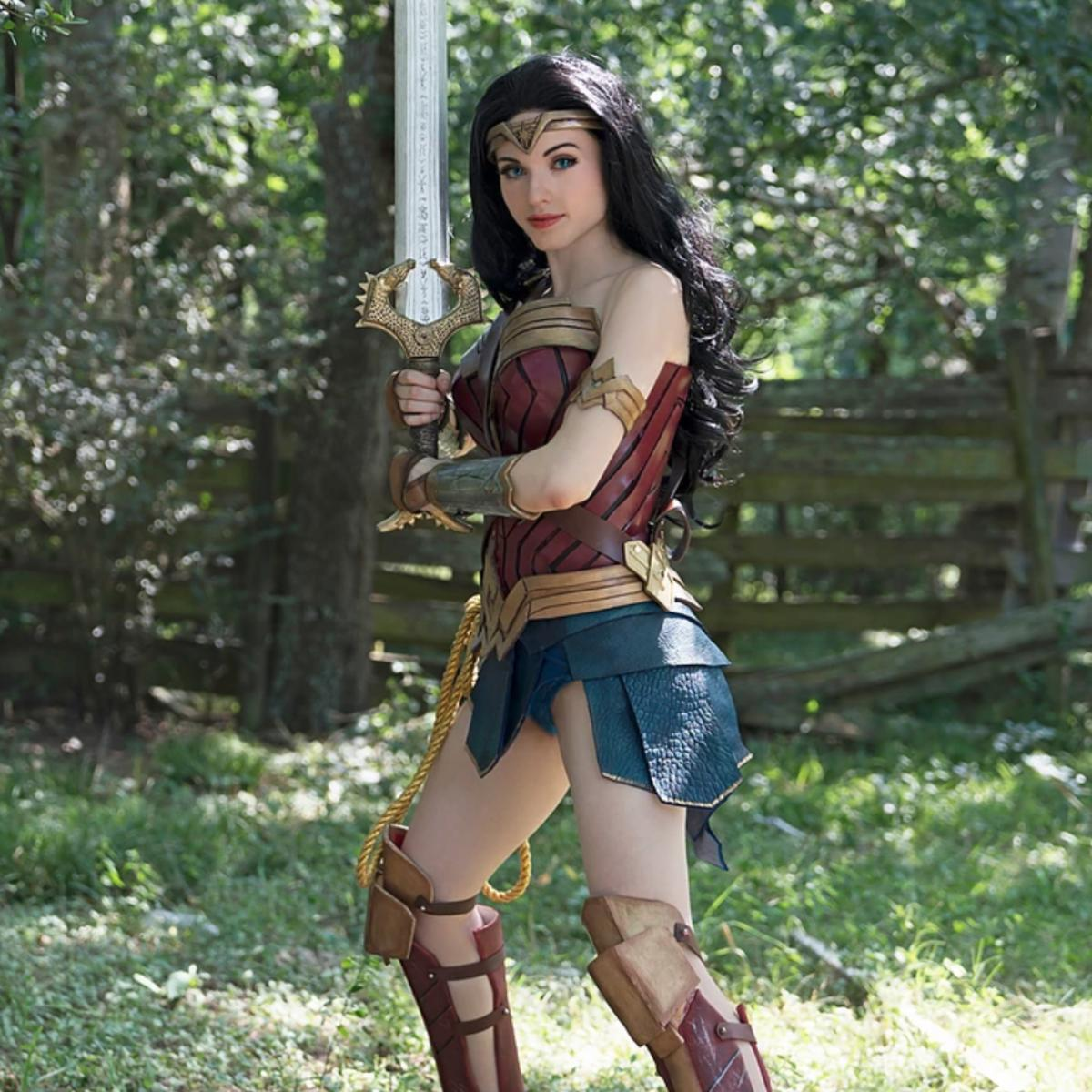 Amouranth Wonder Woman