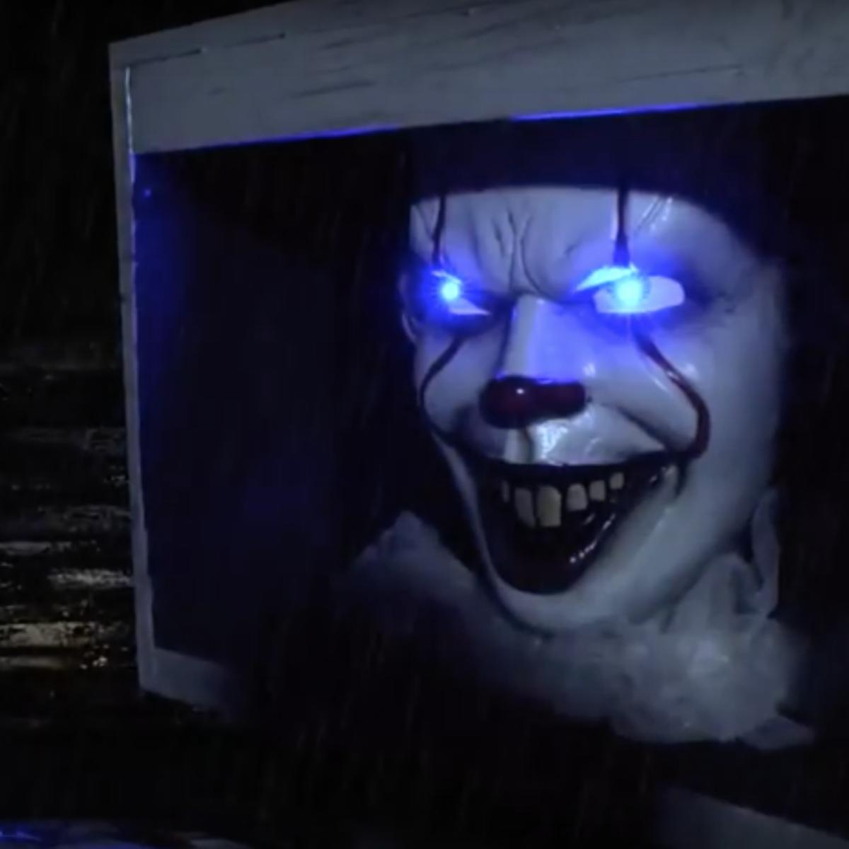 a talking life-size pennywise lurks in the sewers of party city