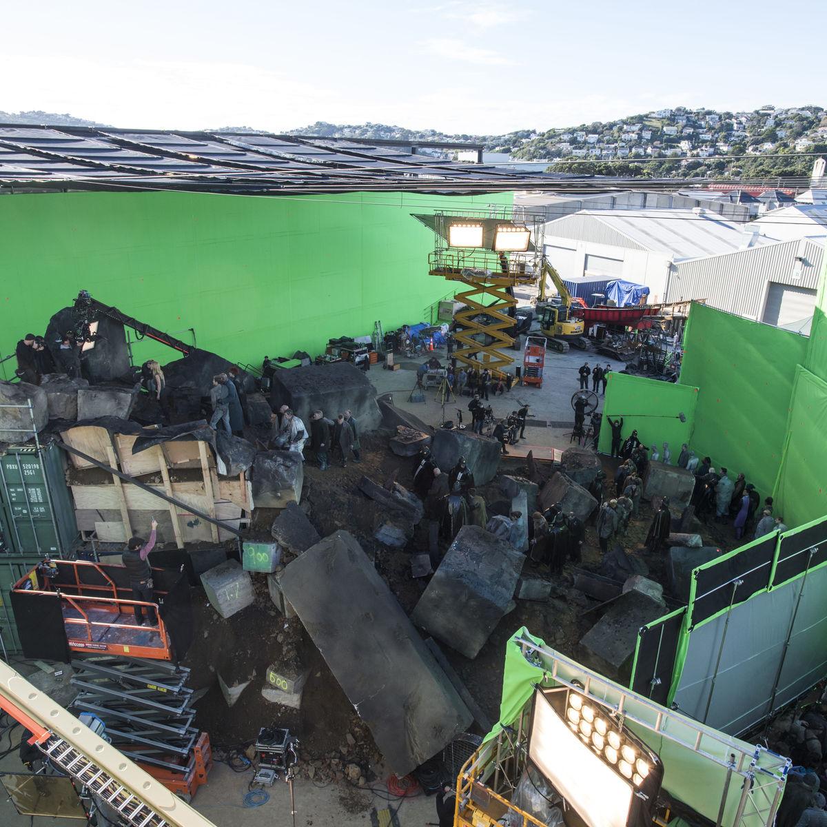 Resultado de imagen para mortal engines behind the scenes london