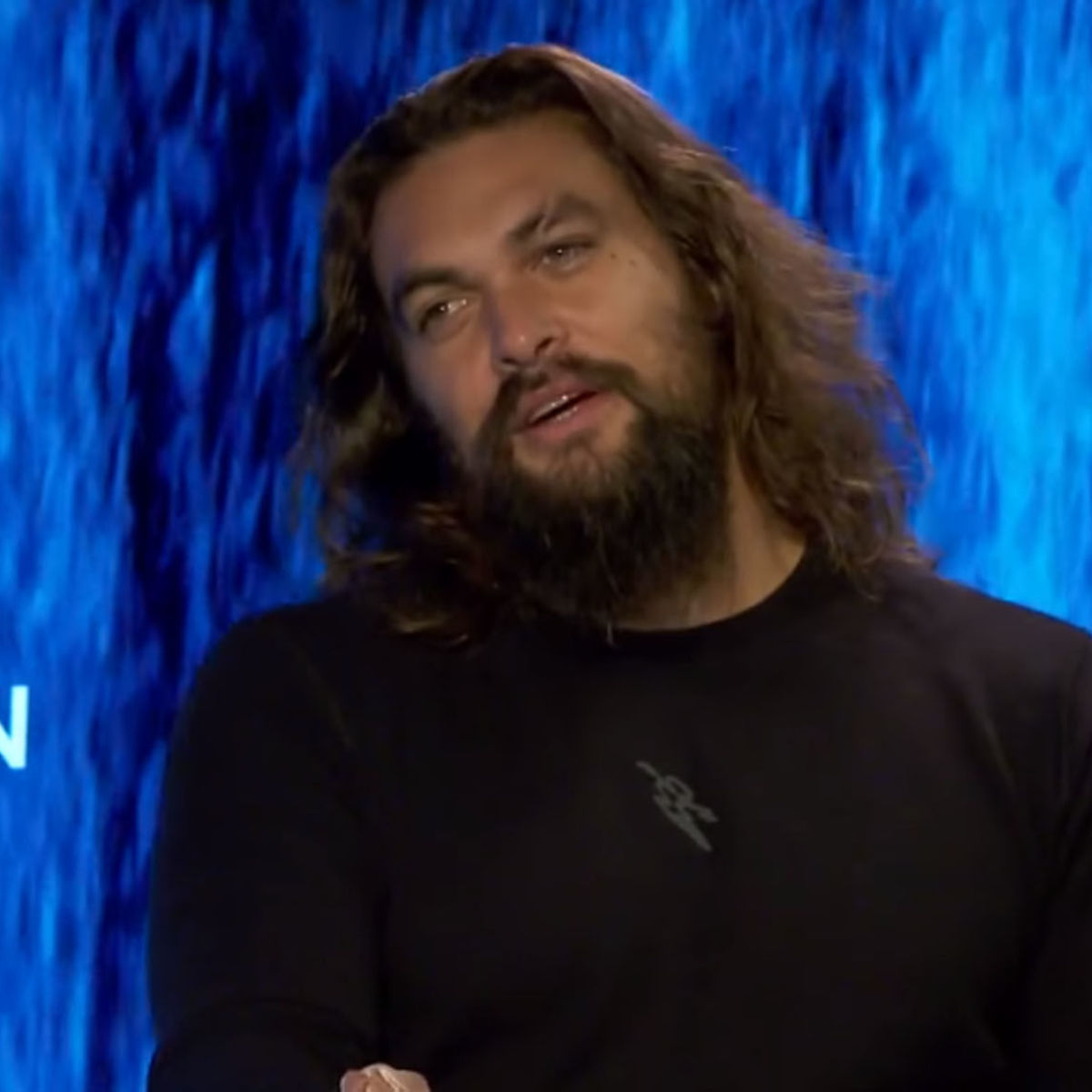 New Jason Momoa And Amber Heard Aquaman Image: WATCH: Jason Momoa And Amber Heard Talk Aquaman, Khal