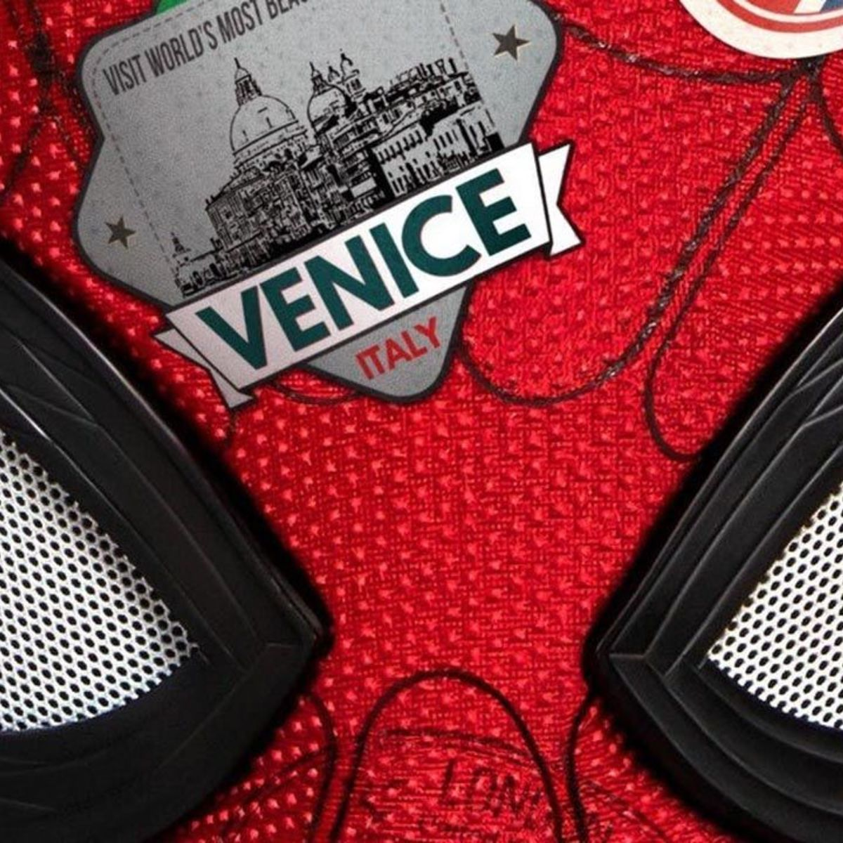 Spider-Man Far From home poster hero