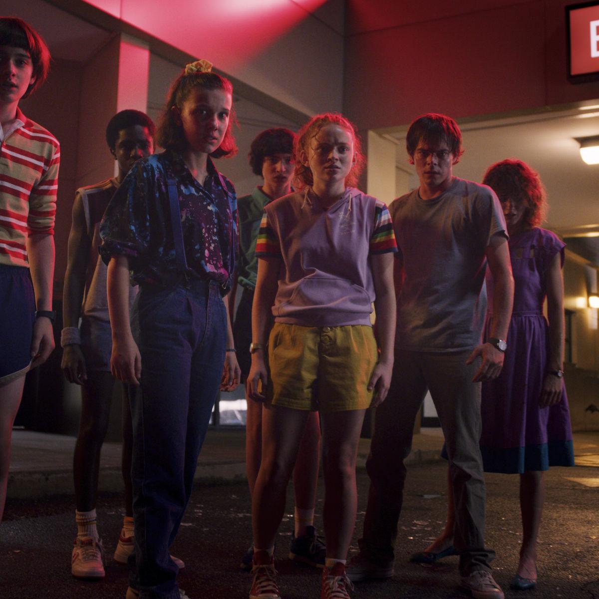 Stranger Things 3 group shot