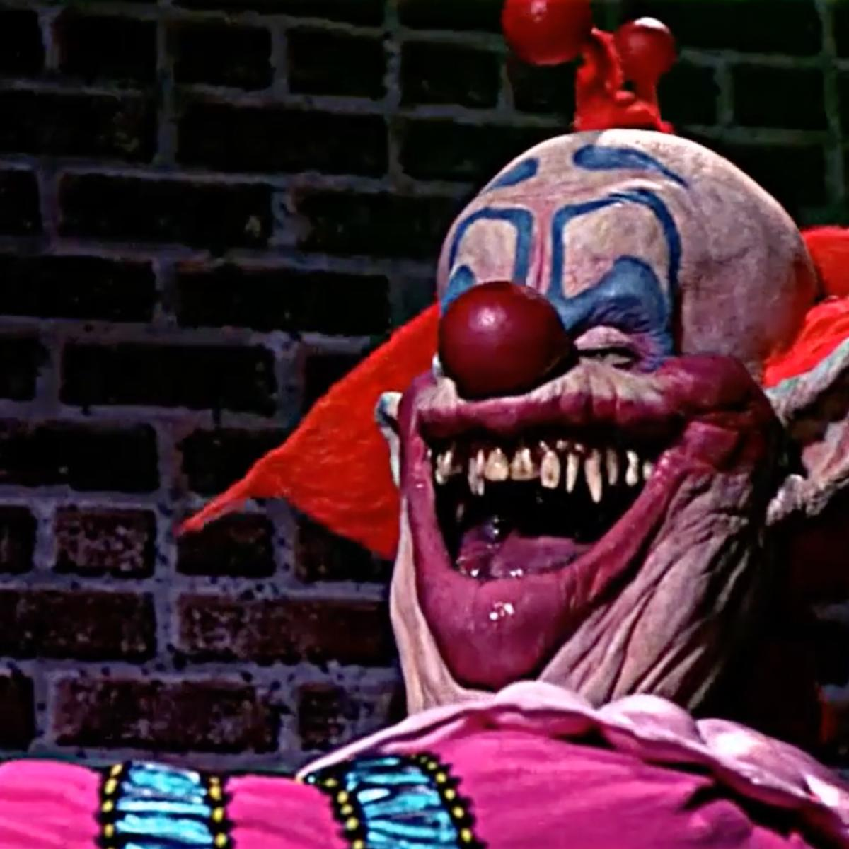 Killer Klowns And Childs Play Among Horror Classics Headed To Universals Halloween Nights