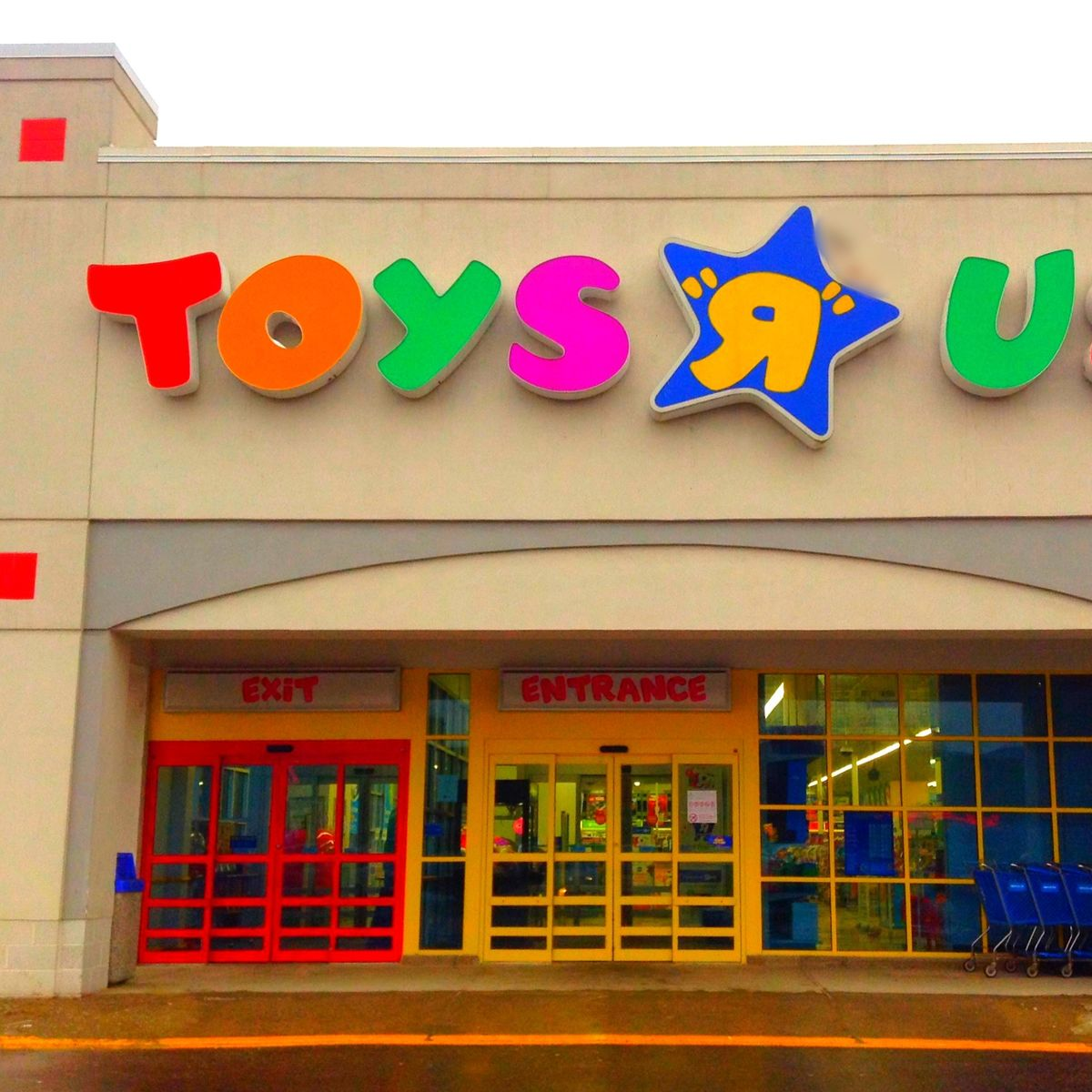 important toy news toys r us is kinda back and so are universal