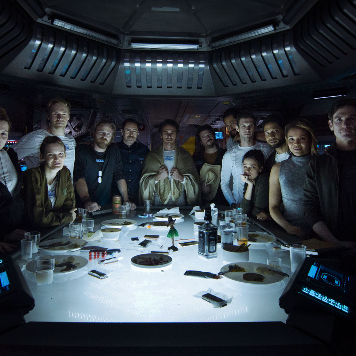 Alien-Covenant-cast-pic_1.jpg