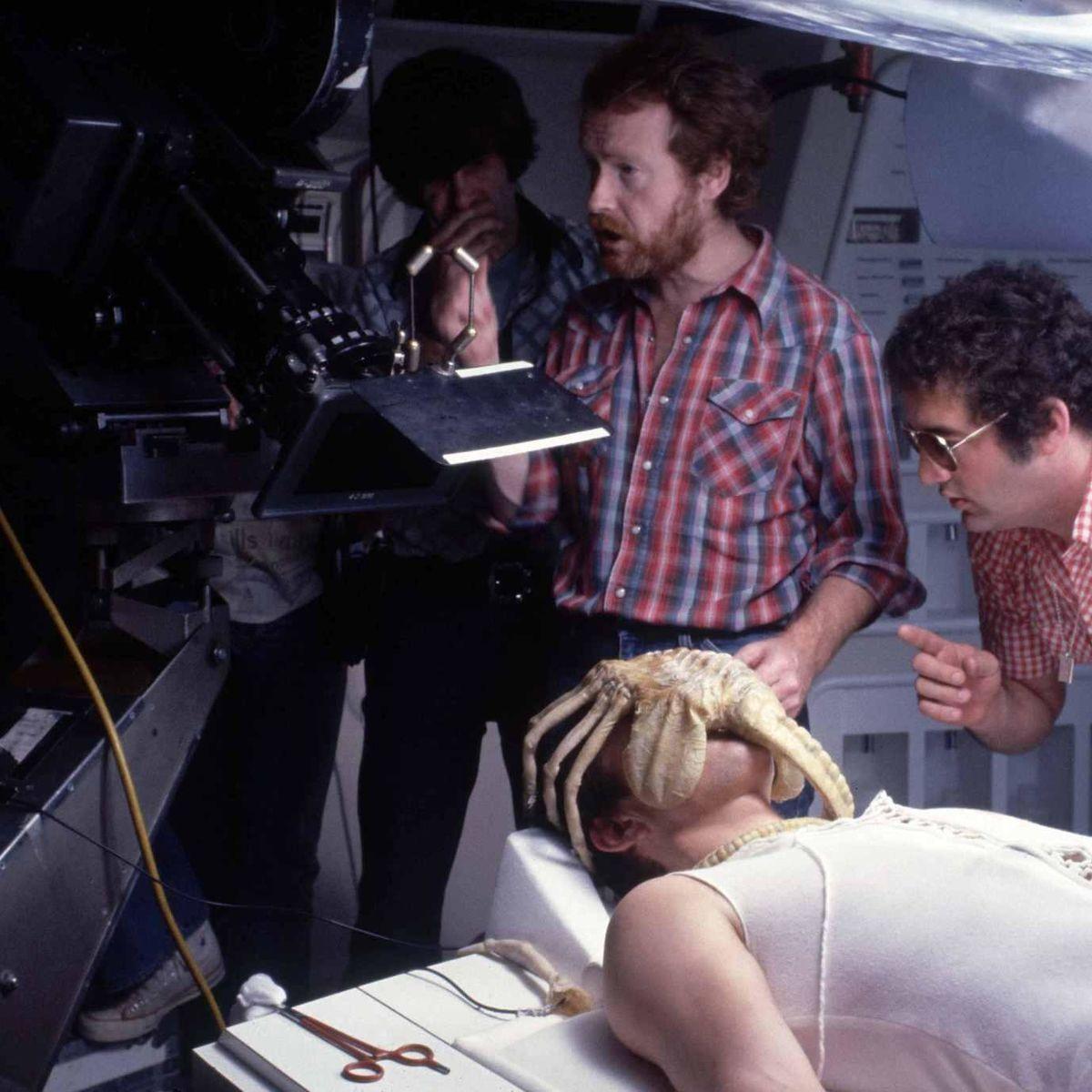 Alien-Ridley-Scott-Face-Hugger_0.jpg