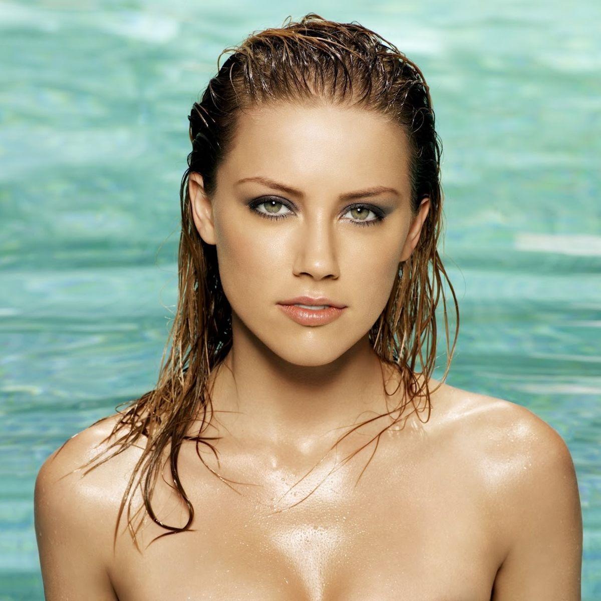 Amber-Heard-swimsuit.jpg