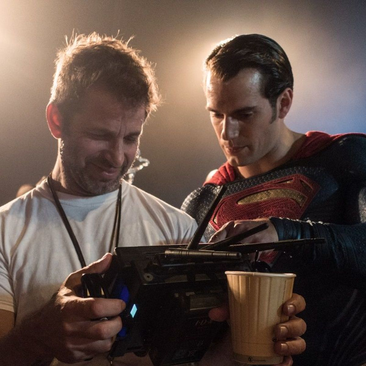 Batman-V-Superman-set-Zack-Snyder-Henry-Cavill1.jpg