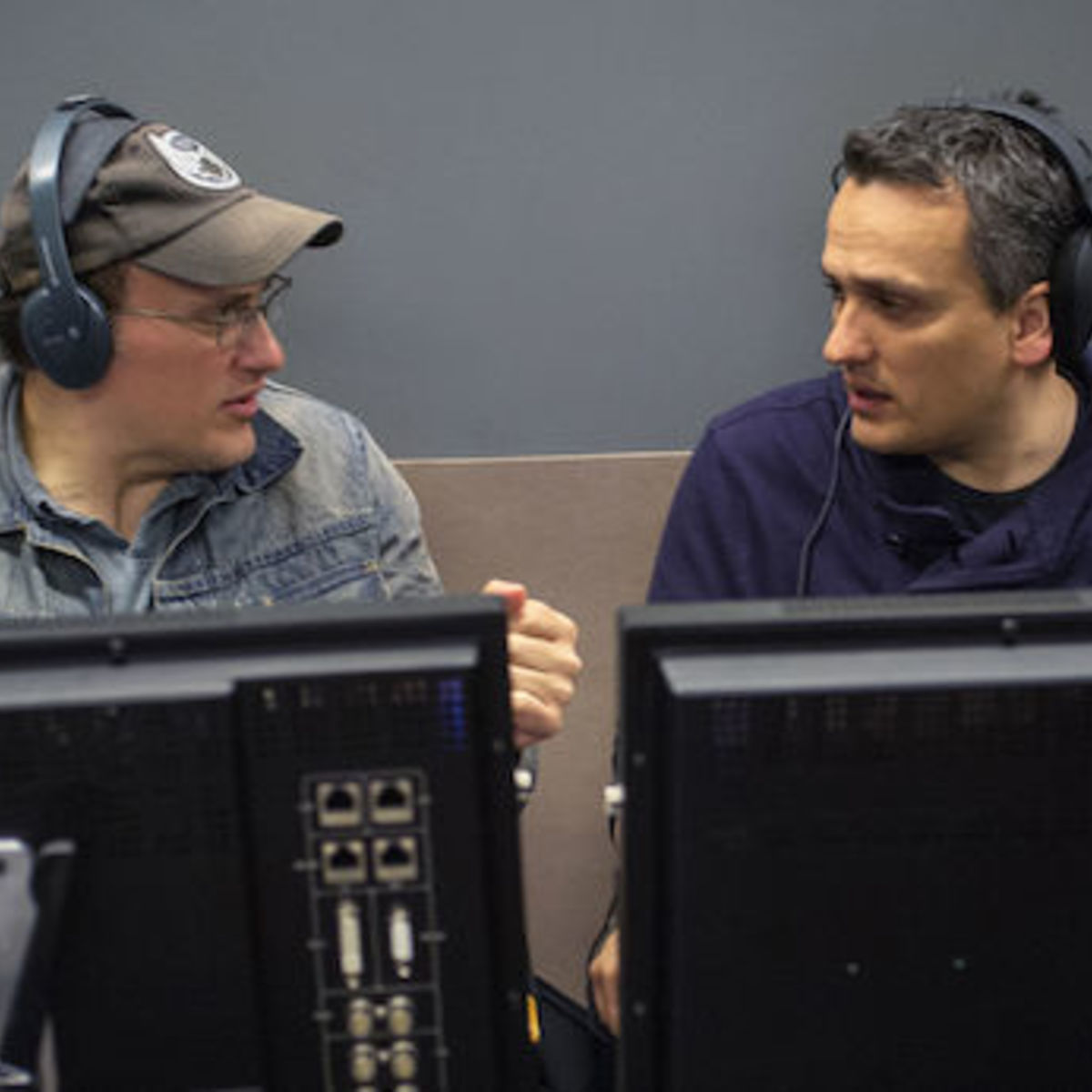 Captain-America-2-Official-Photo-Russo-Brothers-Directors.jpg