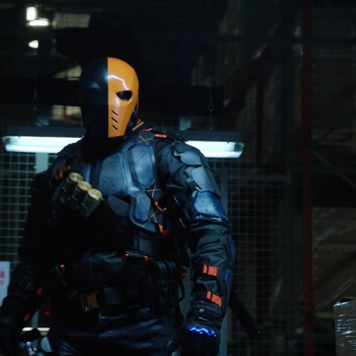 Deathstroke_attacks_Caitlin_and_Cisco_0.png